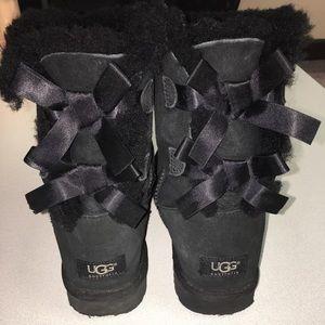UGG Bailey Bow II Booties   Size 7   Black   EUC